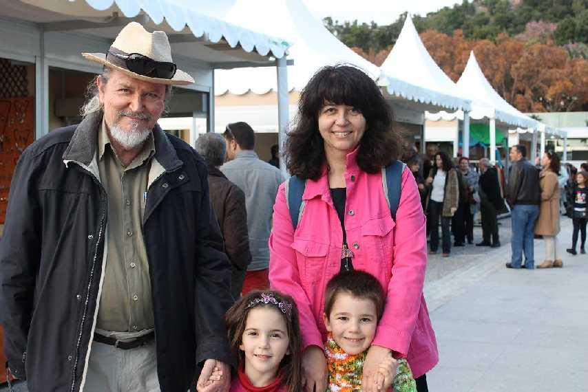 Con Carminita y mis nietos. Puerto de Málaga, 2012
