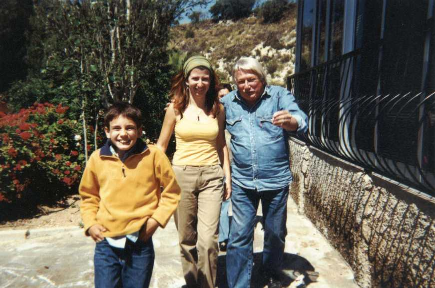 Carlos de Trazegnies, Rosita y Christian. Alicante, 2001