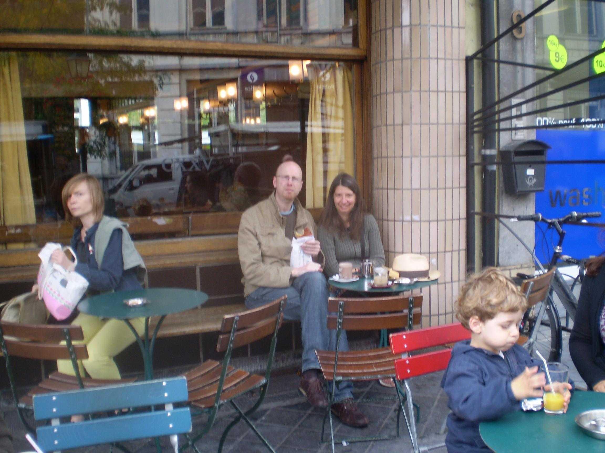 Café de St. Gilles. Ronny y Rosita. 2011