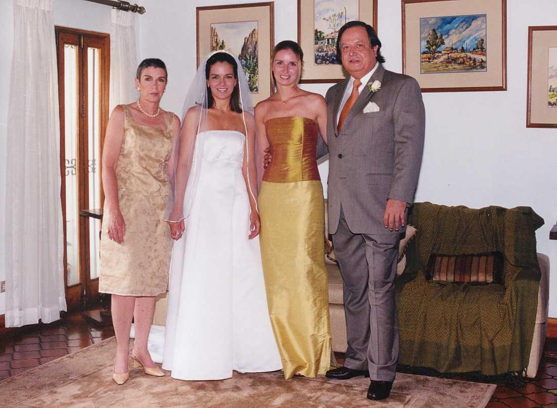 Eric Wagner y Ruth con sus dos hijas. S. José de Costa Rica.