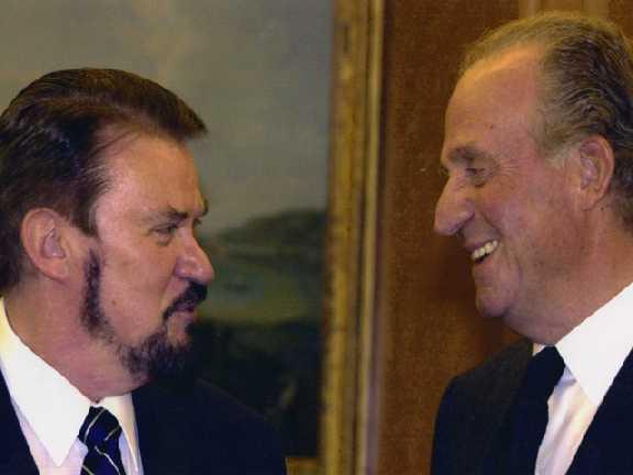 Fernando con el rey de España.