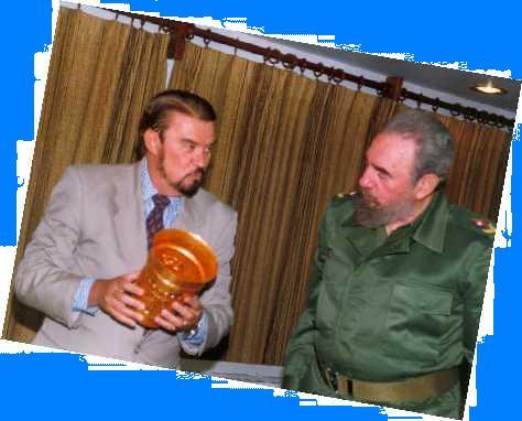 Fernando de Trazegnies con Fidel Castro