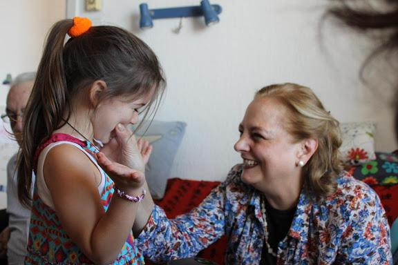 Estrella con su tía Merche, Málaga, 2010