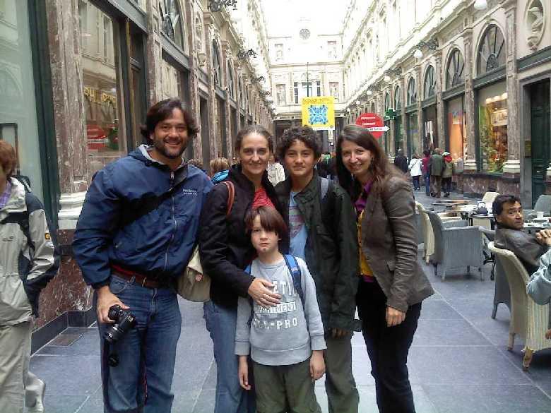 Nathalie de Trazegnies y familia con Rosita. Bruselas, 2012