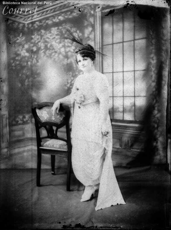 Rosa Vásquez de Velasco. Lima, 1918